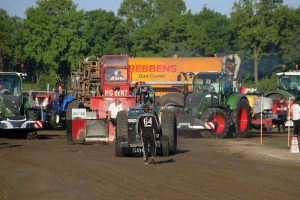 Pulling Gastel Tractor